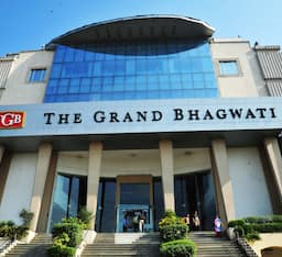 Hotel The Grand Bhagwati