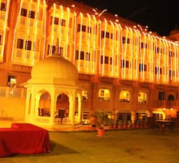 Hotel The Royal Retreat