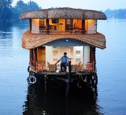 Hotel Rosey Houseboats