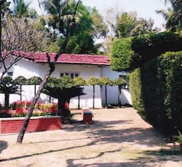 Hotel Chhuti Holiday Resort