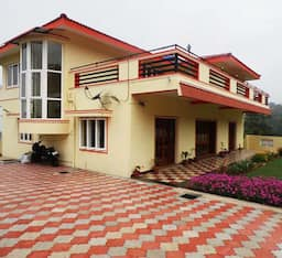 Hotel Maple Holiday Homes