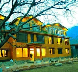 Hotel Lidder Resort