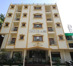 Hotel Indira International Inn