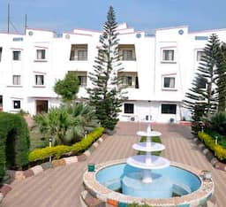 Hotel Safari Resort