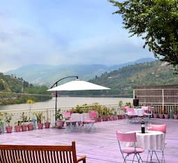 Fishermen's Lodge Bhimtal - Lake Facing Hotel, Bhimtal