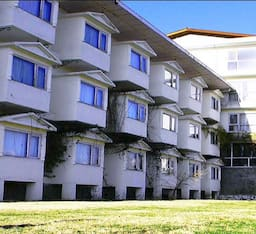 Hotel Whistling Pines Resort