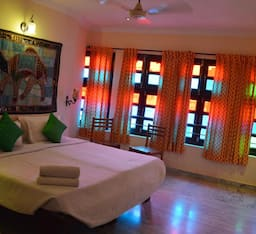Hotel Lake View Paying Guest House