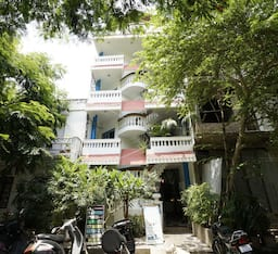 Hotel Lescale Guest House