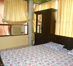 Hotel Puthenkottil Tourist Home & Lodge