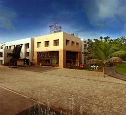 Hotel Top3 Lords Resorts
