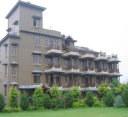 Hotel Blossoms Village Resort
