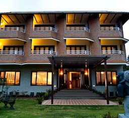 Hotel Nahar Retreat and Wellness Spa