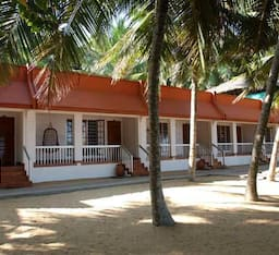 Hotel Beach & Lake Ayurvedic Resort
