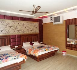 Hotel Deep, Kanpur