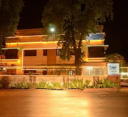 Hotel Dayal Lodge