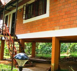 Hotel Coffee Acres Plantation Resort