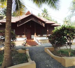 Hotel Backwater Nest