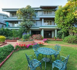 Hotel Ramsukh Resorts & Spa