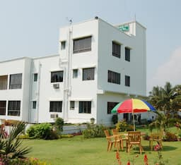Hotel Green Land Inn
