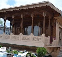 Hotel New Lucky Star Group of Houseboats