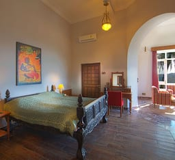 Hotel Altus Luxury Homestay