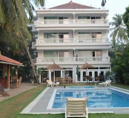 Hotel Safira River Front Resort