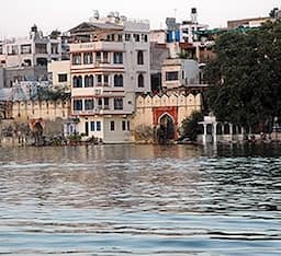 Hotel Jheel Guest House