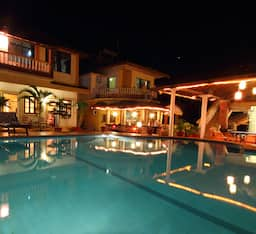Hotel Alcove Resorts