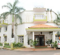 Hotel Alor Grande Holiday Resort