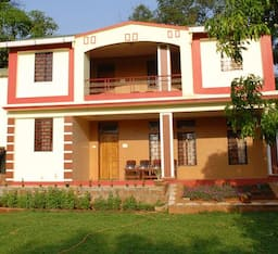 Hotel Vanashree Holiday Resort