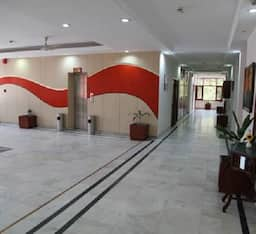 Hotel Chandigarh Beckons, Chandigarh