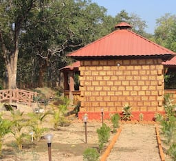 Hotel Dew Drop Camp Site