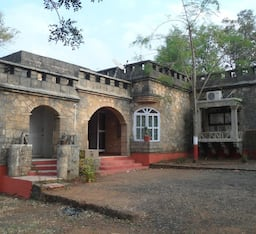 Hotel Maneland Jungle Lodge