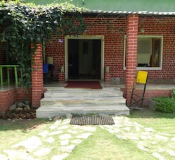 Hotel Baaz Jungle Resort
