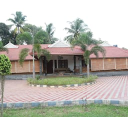 Hotel Baywatch Beach Resort