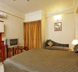 Hotel STAYMATRIX Service Apartment @ Airport road(612)