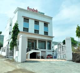 Hotel Sandesh Resort