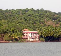 Hotel Dreamland Backwater Resort