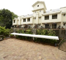 Hotel Crystal County Resort