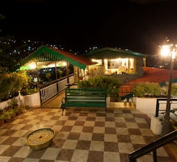 Hotel Pine Borough Inn