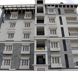 Hotel Queens Court Service Apartments