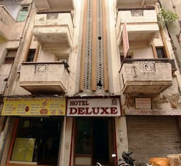 Hotel Deluxe, Ahmedabad