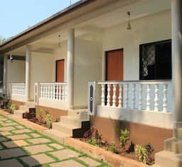 Hotel Selwyen Guest House - Near German Bakery