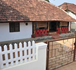 Hotel Highway 89 Homestay