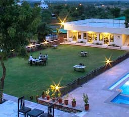 Hotel Hill Garden Retreat