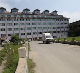 Hotel Pamposh, Srinagar