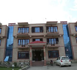 Hotel Royal Reshi, Srinagar