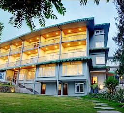 Hotel Summit Barsana Resort & Spa