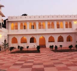 Hotel Dera Khairwa - The Fort Palace