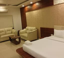 Hotel Platinum Resort And Garden